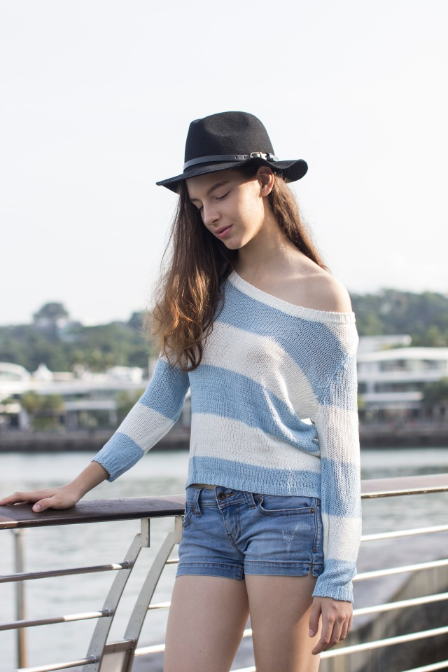 Blue striped knit8