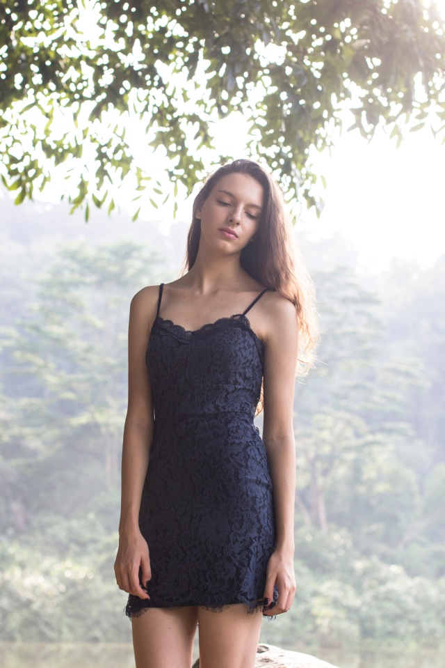 Lace Bodycon dress (Navy)11
